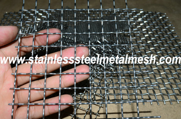 BWG12 (2.64mm Wire Dia.) Crimped Wire Mesh Aperture Size 30mm